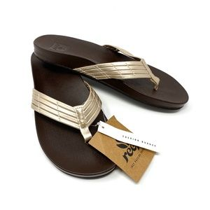 NWT Reef Cushion Bounce Sunny Gold Brown Sandals